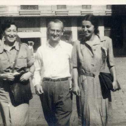לב, מוניקה, לידיה (במדים), רומא 1945