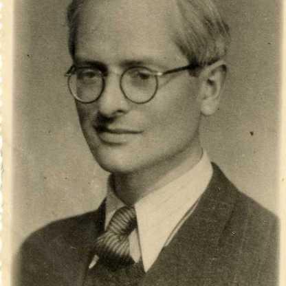 """ד""""ר לב שטיינהאור, 1945?"""